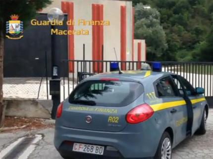 Operazione della Guardia di Finanza a Sefro (MC): sequestrata un'azienda