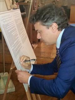 """Il Rettore Unicam Flavio Corradini firma la """"Camerino Declaration"""""""