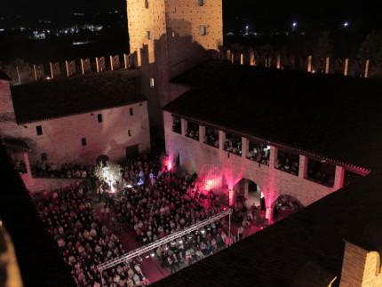 Il pubblico di Popsophia al Castello della Rancia di Tolentino