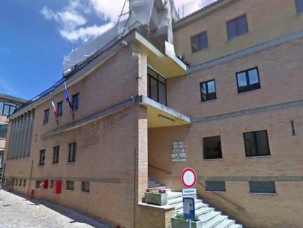 """La sede dell'istituto comprensivo """"Ugo Betti"""" a Camerino"""