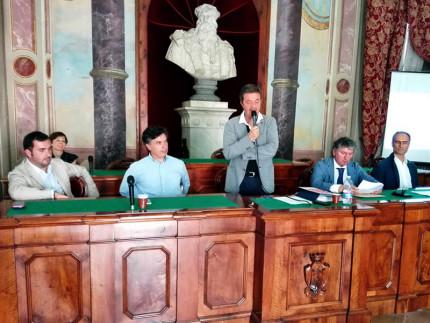 Da sinistra Fucili (Camera di Commercio Macerata), Corradini (Unicam), Martini (Comune S. Severino M.), Pezzanesi (Comune Tolentino), Cruciani (progettista)
