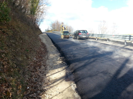 I lavori sulla strada provinciale Gualdo-Sant'Angelo in Pontano