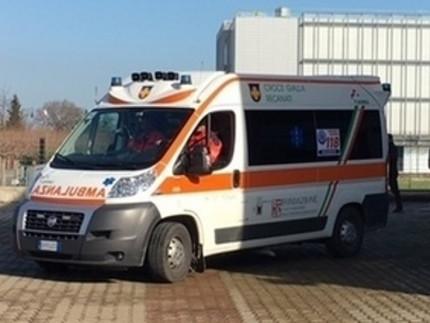 L'ambulanza della Croce Gialle di Recanati a Sambucheto