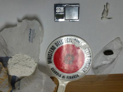 La droga sequestrata a Civitanova Marche dalla Guardia di Finanza