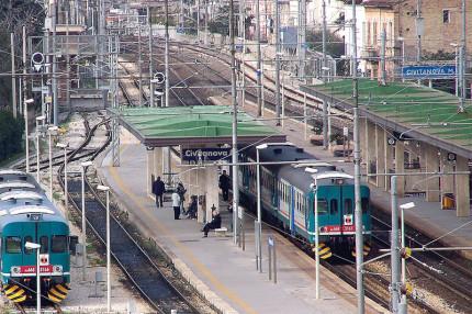 Giovane 20enne investita e uccisa dal treno a Civitanova Marche
