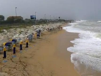 La mareggiata del 16 giugno 2016 a Scossicci di Porto Recanati