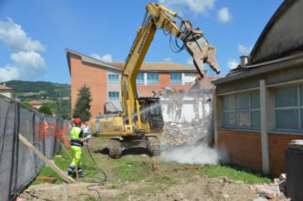 I lavori al vecchio istituto tecnico E.Divini di San Severino Marche