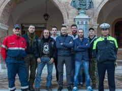 Il consigliere delegato Orlandani e il comandante della Municipale Capaldi insieme ai volontari di San Severino Marche che pattugliano la città contro gli sciacalli
