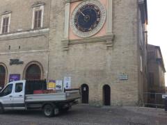 Teatro Lauro Rossi e torre dell'orologio a Macerata