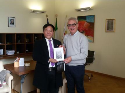 Delegazione cinese incontra Carancini