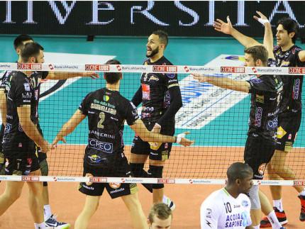 La Lube Volley gira al massimo: Latina ko (3-0) in un'ora ...
