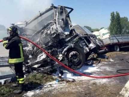 Ferrara, un morto e due feriti in due incidenti sulla A13