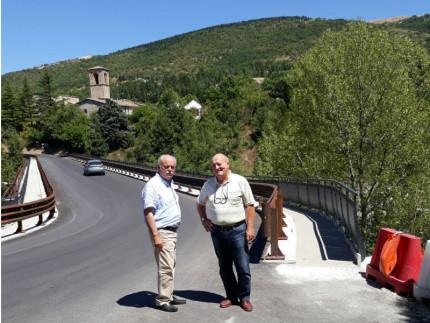 Ultimi lavori sul ponte del lago di Fiastra