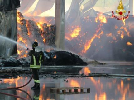 Incendio a Rocchetta di San Severino Marche