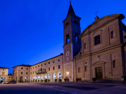 La piazza di Caldarola prima del sisma