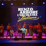 Renzo Arbore e l'Orchestra Italiana allo Sferisterio Live Macerata