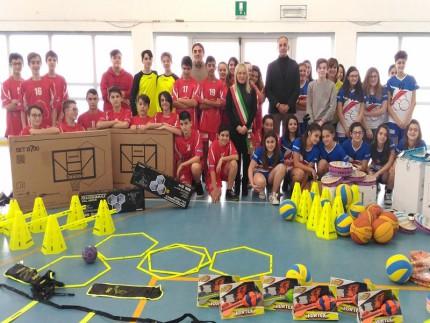 Donazione a scuola di San Severino