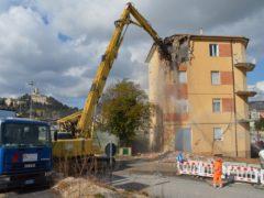 Demolizione a San Severino