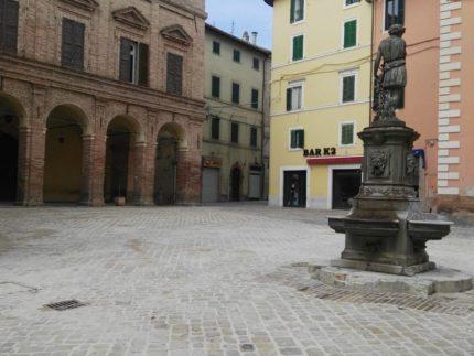 Rimozione macerie nel centro storico di Camerino