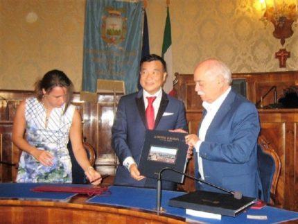 Delegazione cinese ricevuta dalla Provincia di Macerata