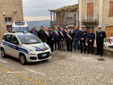 L'auto donata a Penna San Giovanni