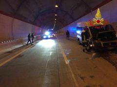 Incidente lungo la SS77 all'altezza di Serravalle del Chienti