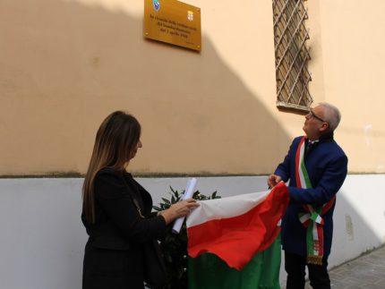 Lapide in memoria del bombardamento di Macerata