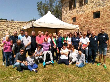 Gazebo e altri arredi donati al Centro Diurno di San Severino