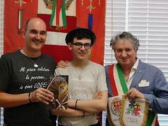 Lorenzo e Franco Cardone ricevuti dal sindaco Pezzanesi di Tolentino