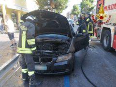 Auto in fiamme a Porto Recanati