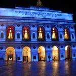 Sferisterio illuminato di blu per la Giornata mondiale dell'autismo