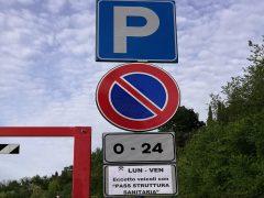 Parcheggi gratuiti per gli operatori sanitari di stanza presso l'ospedale di Macerata