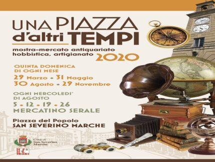 "Locandina del mercatino ""Una piazza d'altri tempi"""