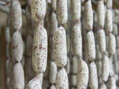 Salsicce secche del Salumificio Angeloni di Castelvecchio di Monte Porzio