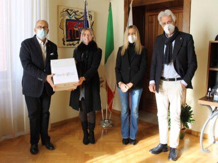 Saturimetri donati al Comune di Macerata