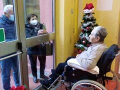 Visita agli anziani ospiti delle case di riposo