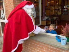 Visita di Babbo Natale alle scuole di Camerino