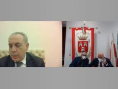 Giovanni Legnini in collegamento con il Consiglio comunale di Camerino