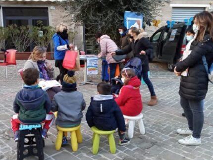 BiblioMacchina in piazza Mazzini a Macerata