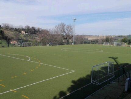 Campo di calcio nel quartiere Pace a Macerata