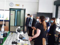 """Inaugurazione del laboratorio di biotecnologie all'istituto agrario """"Garibaldi"""" di Macerata"""