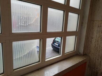 """Danneggiamenti nella scuola """"Luzio"""" di San Severino"""